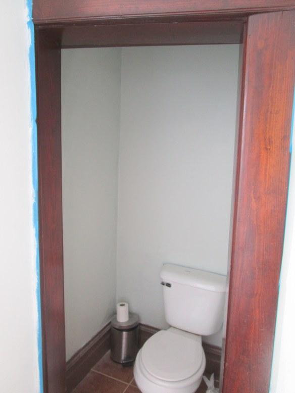Upstairs Bathroom // thegoldbrickroad.com